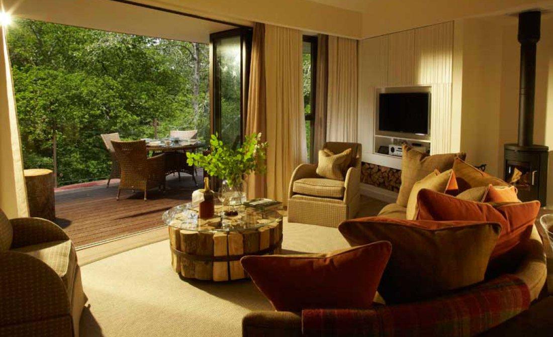 treehouse-suite-lounge-interior.jpg