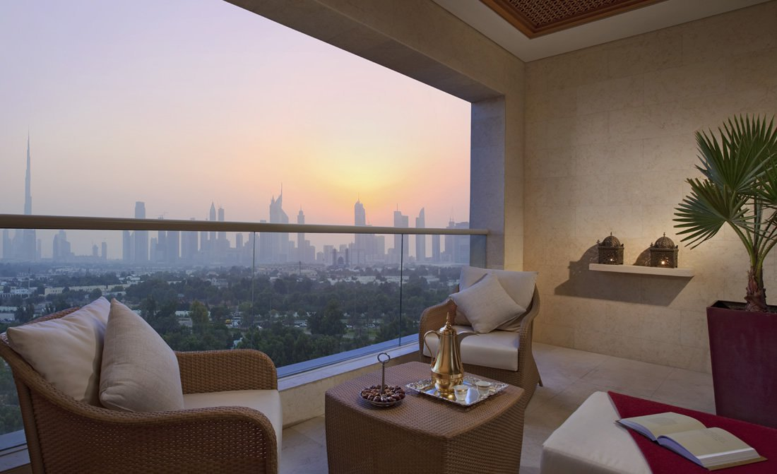 raffles-dubai-signature-room-terrace.jpg