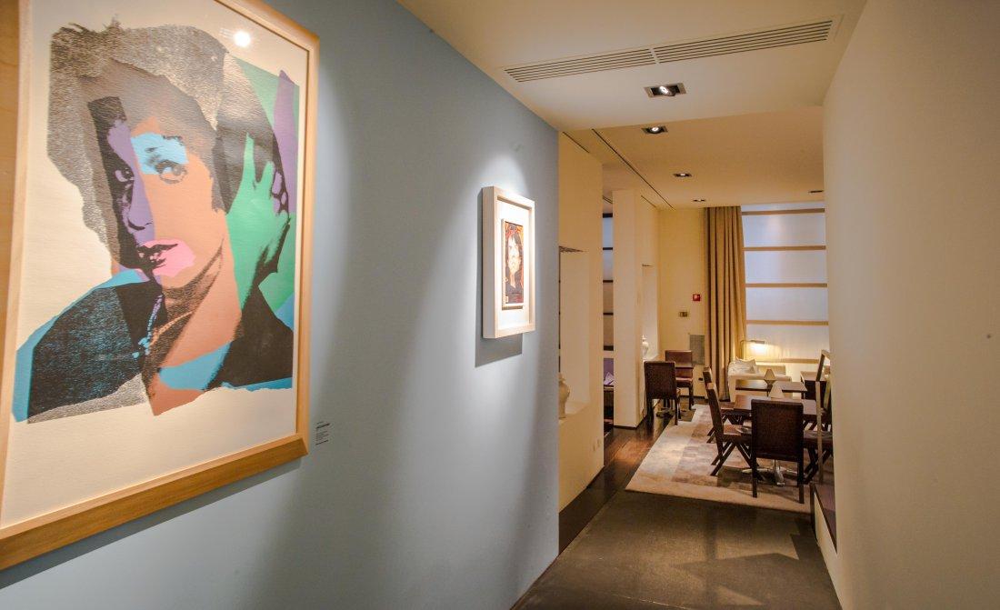 gallery-hotel-art-lobby.jpg