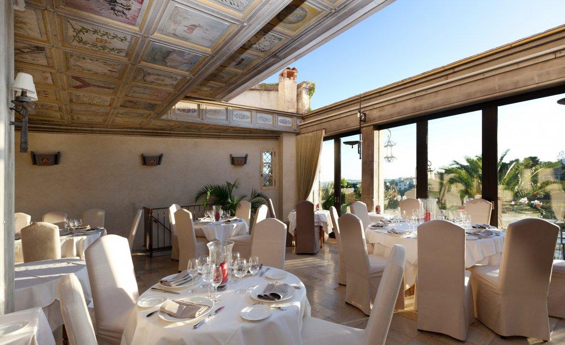 publication-1-photo-4-restaurant-toit-ouvrant50.jpg