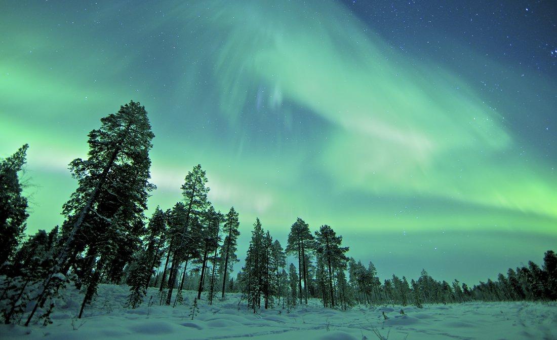where-to-spot-aurora-borealis-the-northern-lights-luxury-travel-blog.jpg