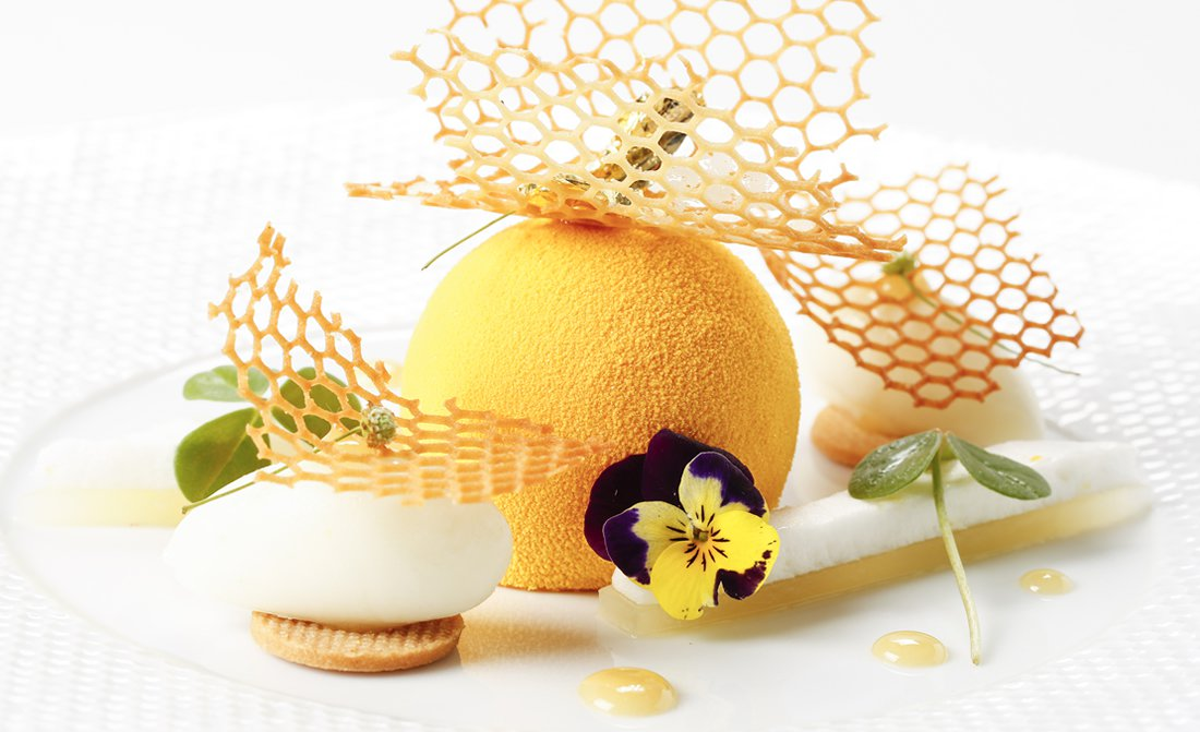pastry-chef-sebastien-quazzola-le-richemond-geneve-fleur-de-miel.jpg