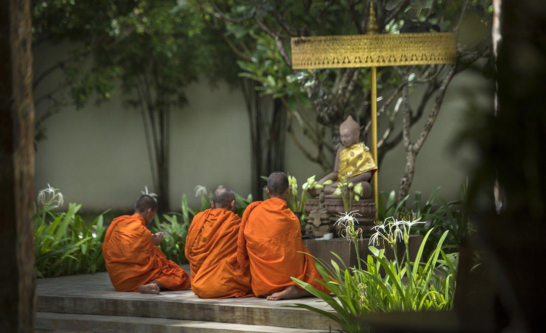 amansara-buddhist-monks.jpg