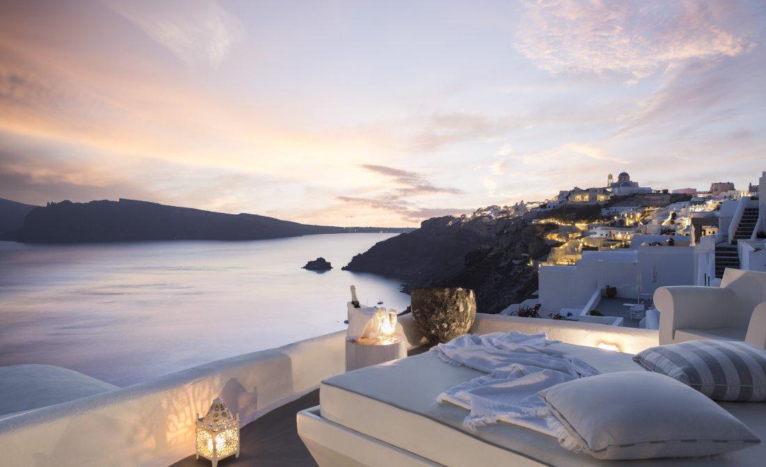 kirini-suites-spa-santorini-1.jpg