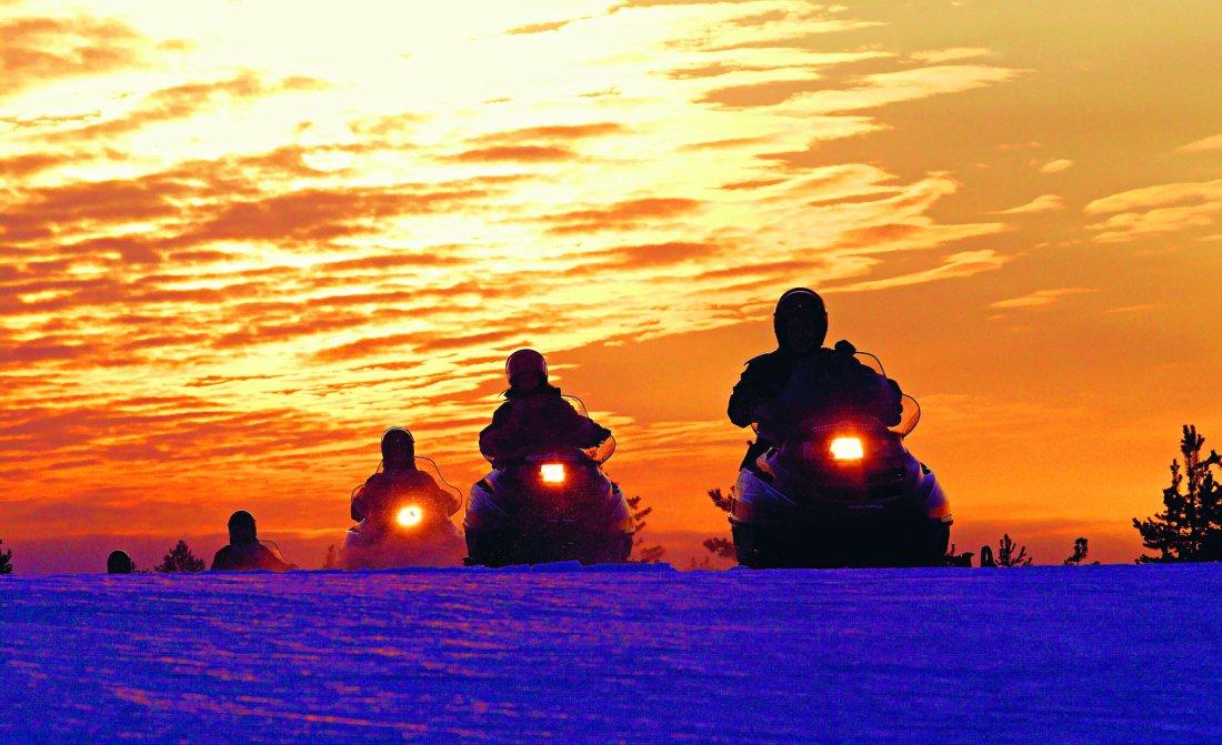 snowmobile-7.jpg