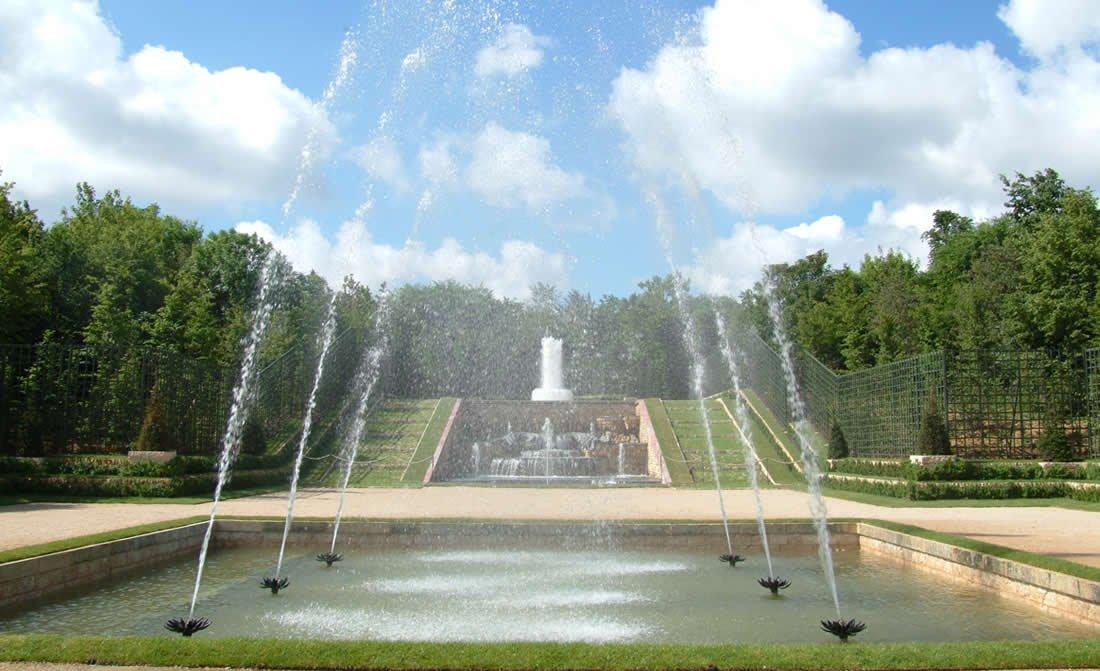 trianon-palace-versailles-a-waldor-astoria-hotel-singing-fountains.jpg