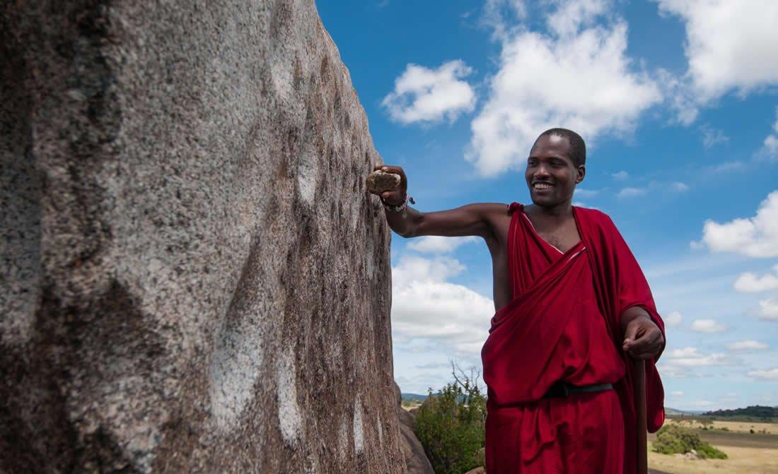 kinama-marite-discovery-centre-guide-at-four-seasons-safari-lodge-serengeti.jpg