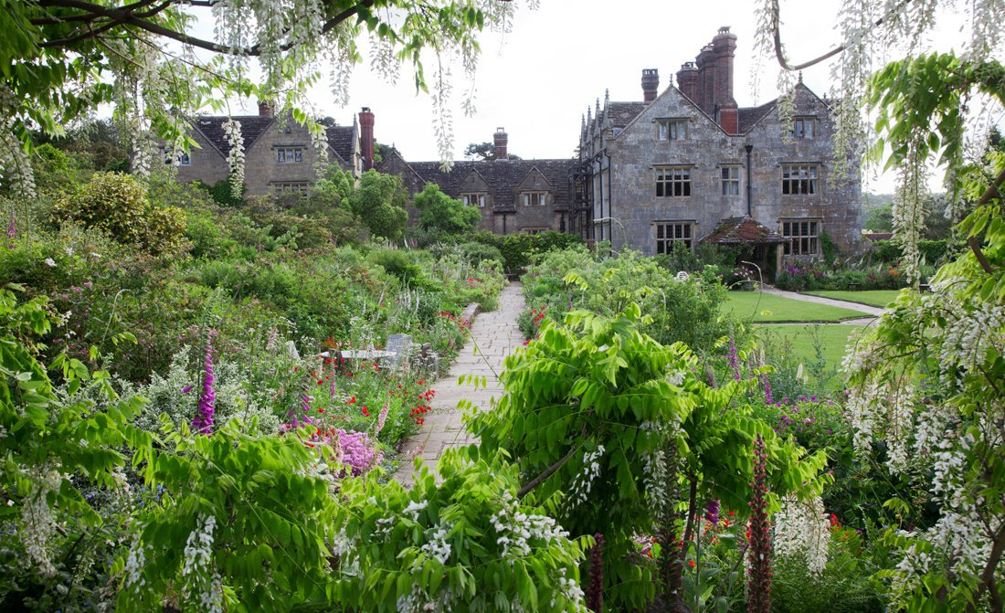 gravetye-manor-garden.jpg