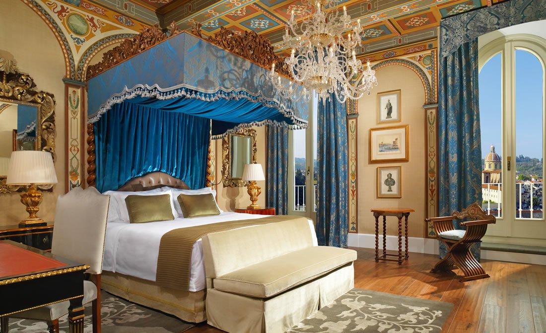 royal-suite-gioconda-master-bedroom.jpg