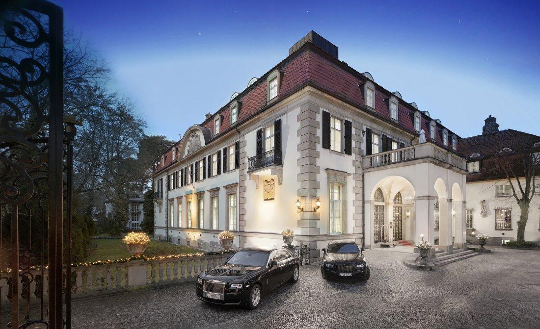 Patrick Hellmann Schlosshotel Hotel Exterior Front Evening