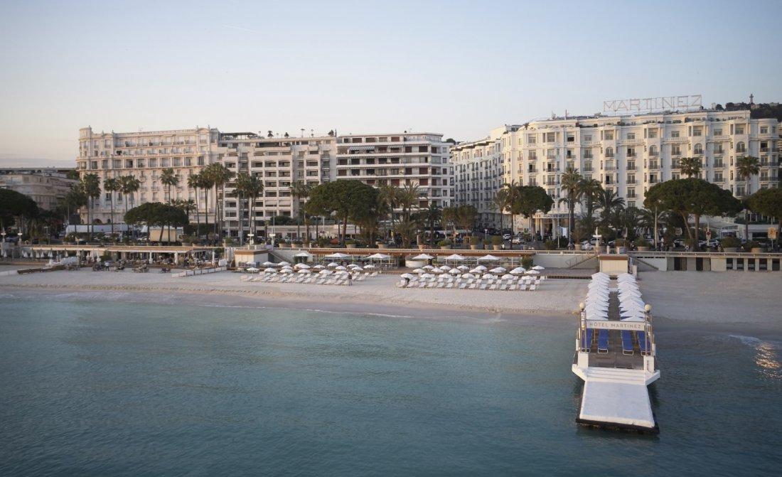 Martinez Hotel Cannes By Hyatt Beach