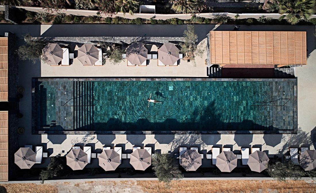 Istoria Hotel Santorini 1