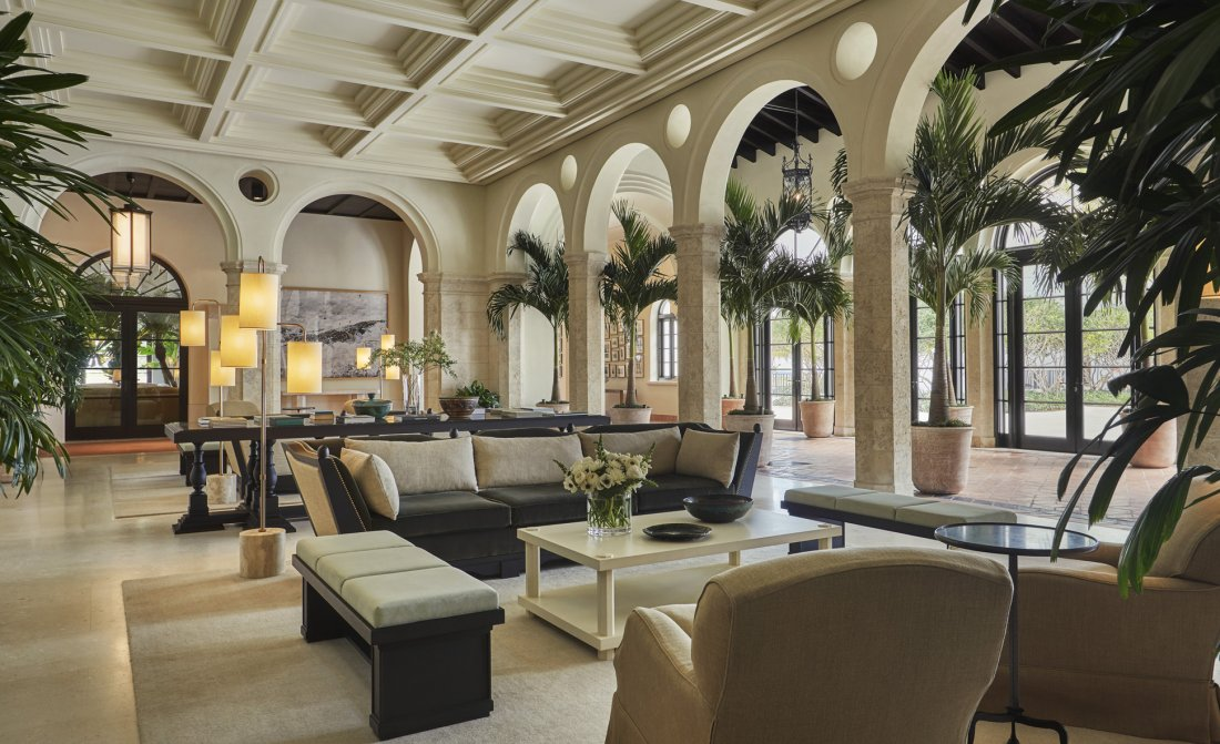 Four Seasons Hotel At The Surf Club 3